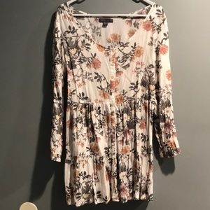 KENDALL & KYLIE FLORAL BUTTON DOWN DRESS